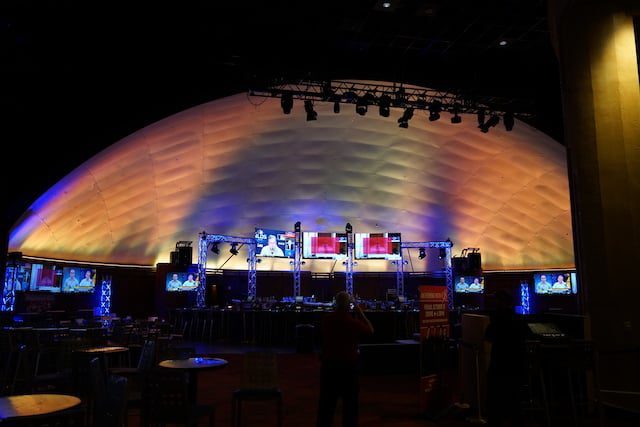 """Visionary Solutions Raises """"the Roof"""" at Hollywood Casino"""
